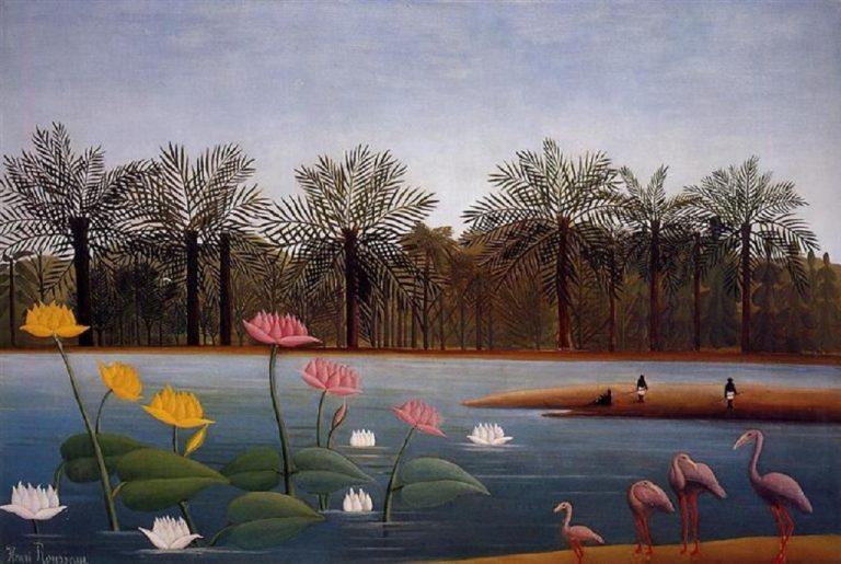 ציור של אנרי רוסו. ארבע ציפורי פלמינגו ורודות עומדות על שפת אגם כחול. בגדה המרוחקת שורות עצי דקל.